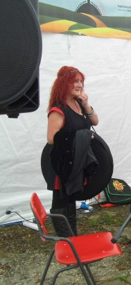 Sandi with a frame drum bag