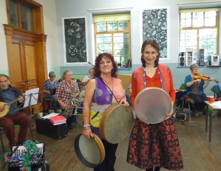 Sandi and Oxana at the French and Breton musicworkshop
